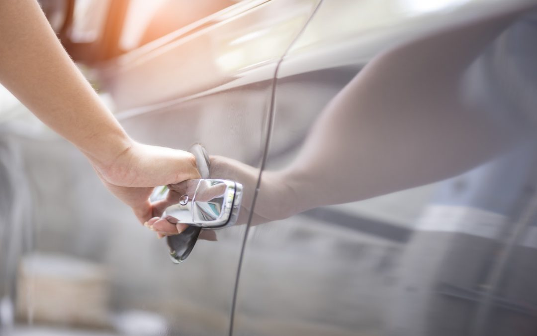 It's Time to Call an Auto Locksmith: Reasons Why You Shouldn't DIY